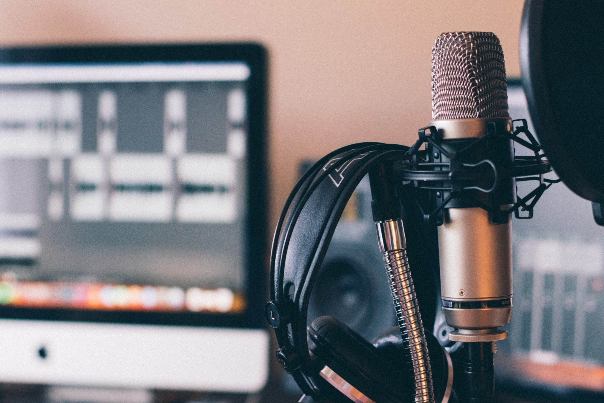 9 Ways You Can Remove Microphone Background Noise